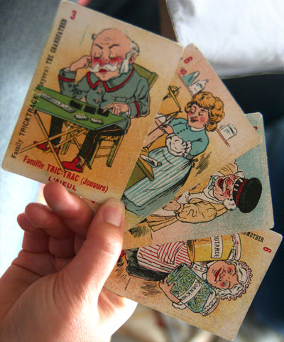 <A pre-war card game with original cards in France>